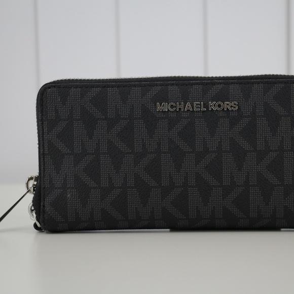 9947a415fc94 Michael Kors Bags | Jet Set Travel Continental Wallet | Poshmark